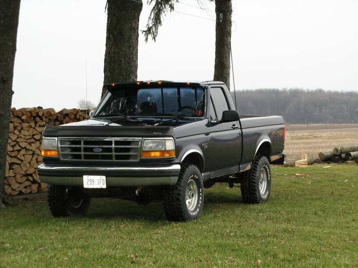 1996 Ford F-150 XL Pickup Truck Our first 4 wheel drive truck.