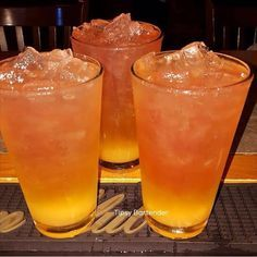 Gold Digger Cocktail - For more delicious recipes and drinks, visit us here: www.tipsybartender.com