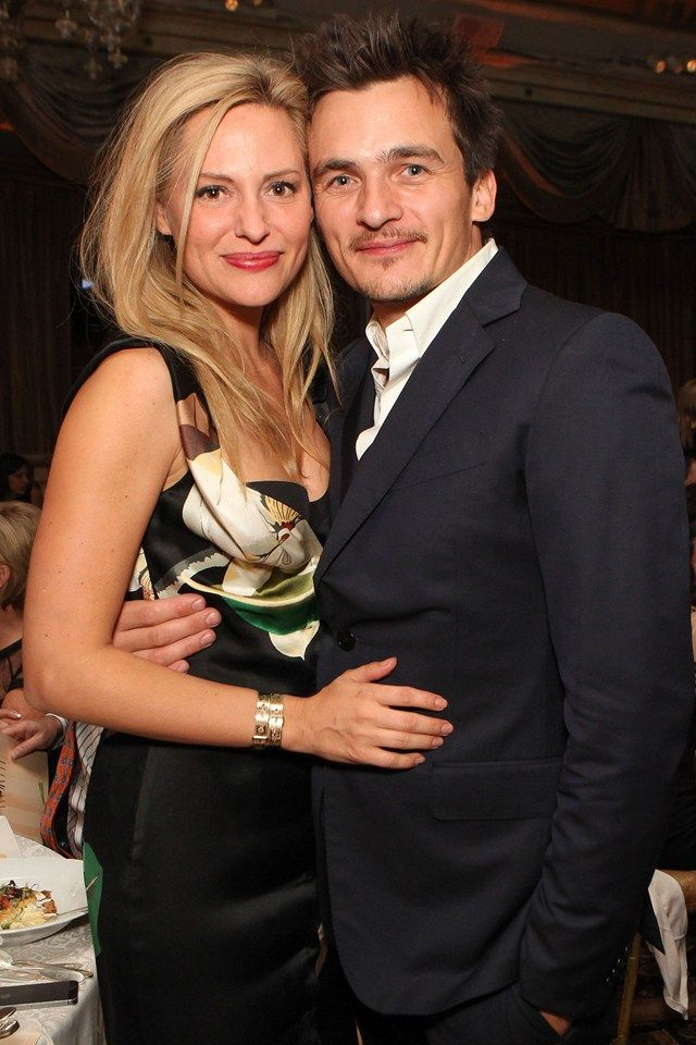 Rupert Friend is engaged to #Aimee_Mullins.