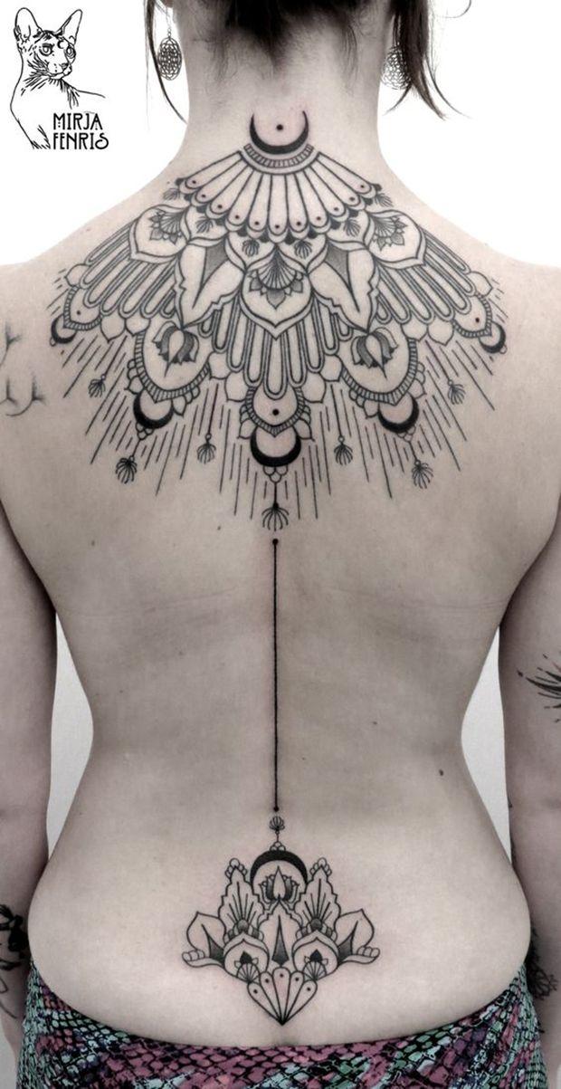 As tatuagens de Mirja Fenris trazem desenhos de simetriasperfeitas, mandalas, animais cheios de simbologia e padrões na pele. Conheça o da tatuadora alemã!