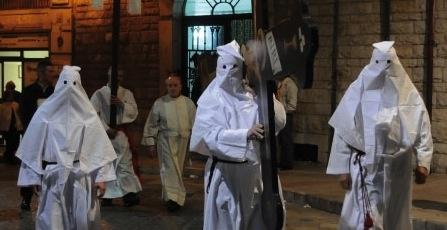 I Riti della Settimana Santa in Puglia. http://www.hipuglia.com/2013/03/i-riti-della-settimana-santa-in-puglia.html