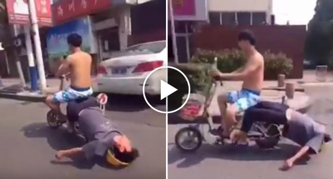 Homem Mostra Como Leva Um Amigo Bêbado Para Casa
