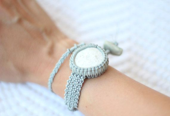 Silver gray-white double wrap pebble macramé bracelet by ilepieces