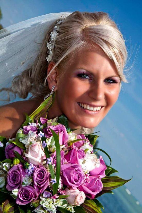 Menyasszonyi smink a lila árnyalataival