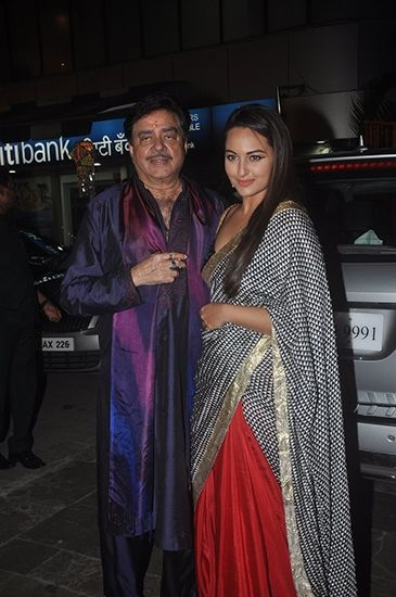 Shatrughan and Sonakshi Sinha at the Bachchan's party