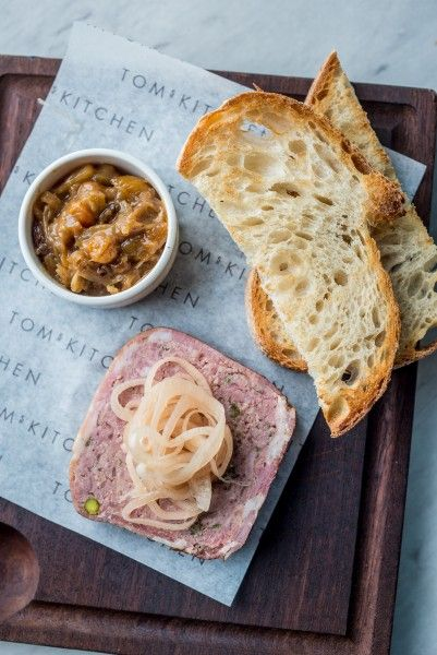 Chicken liver & foie gras parfait, chutney, brioche.