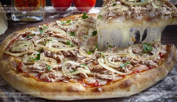 Pizza z grzybami i mozzarellą