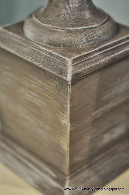 Anne Sloan pintura tiza en la primera de coco y luego ocre, para las mesas redondas