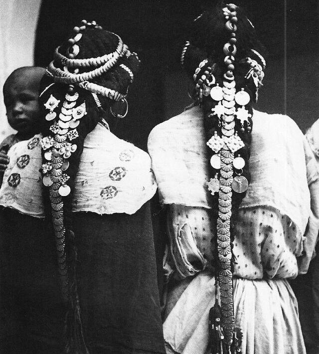 "Africa   ""Femmes harratine de la vallée du Ziz"" Tafilatet, Maroc   ca. 1934 - 1935   ©Jean Besancenot"