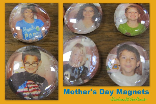 DIY photo magnets for gifts, article has both a piggyback song for moms + a poem suitable for handprint art -- all for Mother's Day celebrations: Diy Photo, Photo Magnets, Mothers Day Gifts, Gifts Ideas, Kindergarten Mothers, Covers Photo, Preschool Mothers, Parents Gifts, Gifts Rhymes