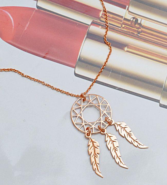 Naszyjnik z łapaczem snów. Cena: 139zł. Kup na: https://laoni.pl/naszyjnik-lapacz-snow-z-rozowego-zlota #biżuteriaślubna #naszyjniki #łańcuszki #złote #srebrne