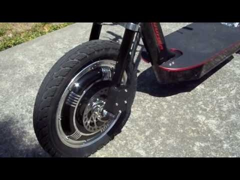 The Zuumer was first demo'd to the public in September 2008. Now it is starting to be delivered into customers hands. This is one of the first of those Zuumer's. It's an extremely capable electric scooter with a rear end like no other scooter. The three wheeled rear end allows for awesome carving tricks and more.     This video is a simple walk-around to show the basic setup of the scooter. Stay tuned for more video on this.    The Zuumer is made by ZuumCraft: http://zuumcraft.com
