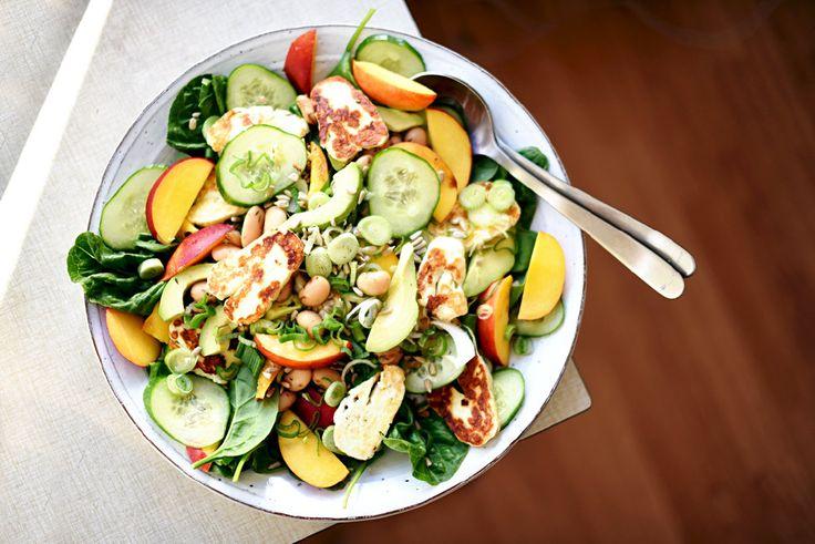 Sommarsallad med nektarin och halloumi   Nectarine and halloumi summer salad