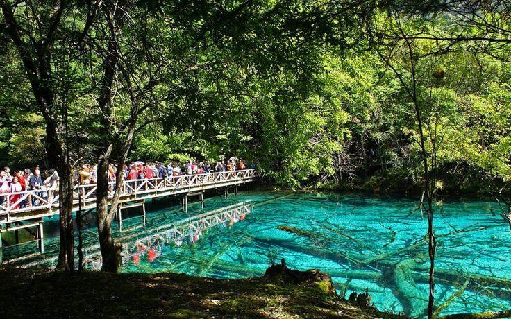Beautiful Lake Jiuzhaigou Travel CHINA