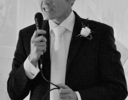 Looking for a killer best man speech outline?  We give you one here!