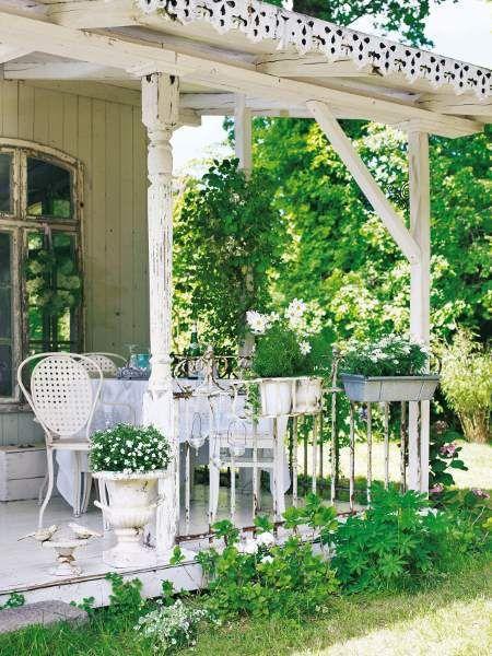 Shabby chic garden. I miss having a porch.