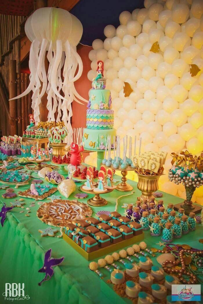 Mesa de dulces ariel sirenita