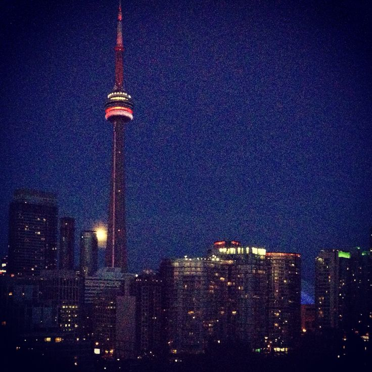 Night view of the CN Tower