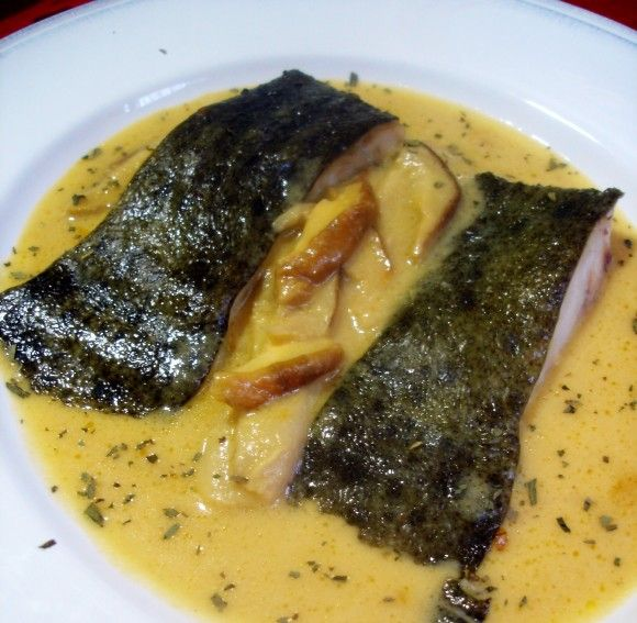 Rodaballo en salsa de sidra y boletus 3 https://www.pinterest.com/source/eladerezo.hola.com/