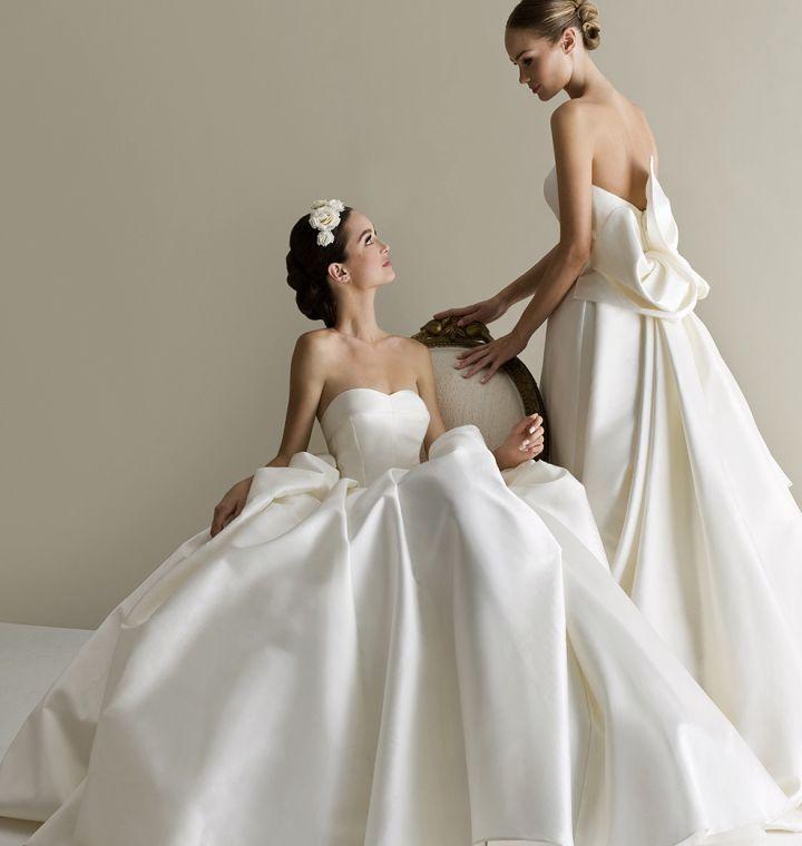 \美意識高めの花嫁さんへ/後ろ姿の美しさで選ぶなら『アントニオリーヴァ』のドレスで決定!にて紹介している画像