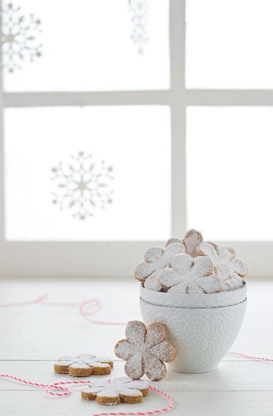 Deliciosa receta para hacer polvorones en casa! Una receta super rápida y riquísima para hacer una tarde de invierno y tenerlos listos para las fiestas.