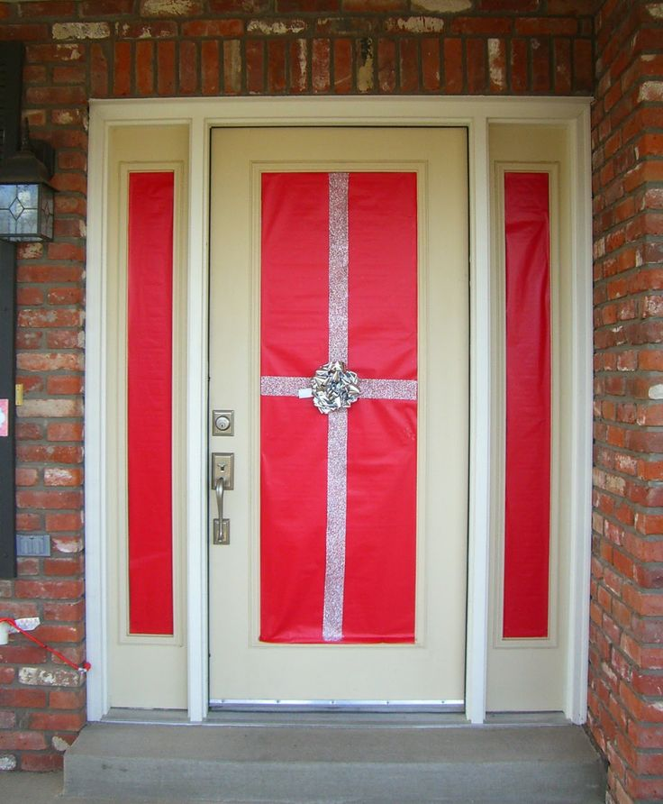 Holiday Front Door Decor - Wrap It!