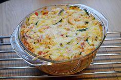 Recept voor kip courgette ovenschotel. Een heerlijke, simpele en gezonde ovenschotel met kip, courgette en volkoren pasta