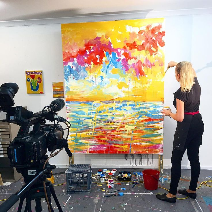 Linzi Carter Perth artist in the studio #linzicarterart #propheticart