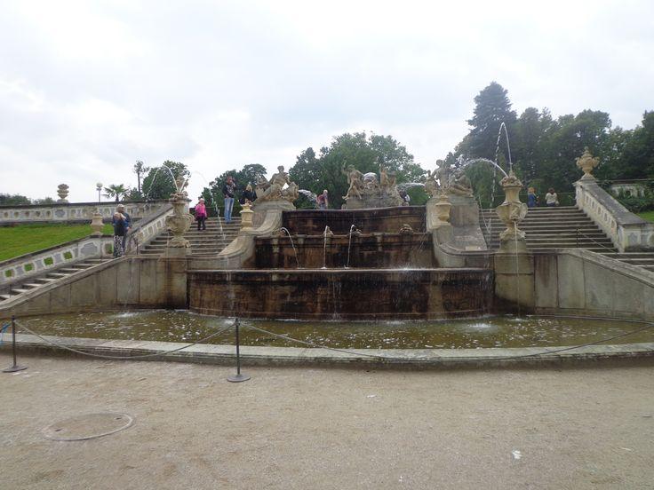 fontána v zahradách zámku v Českém Krumlově, fontain in castle ganden in Čecský Krumlov, South Bohemia, Czech republic