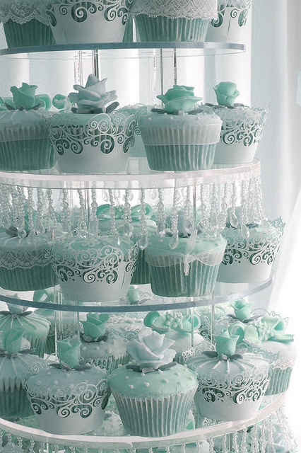 Aqua cupcakes