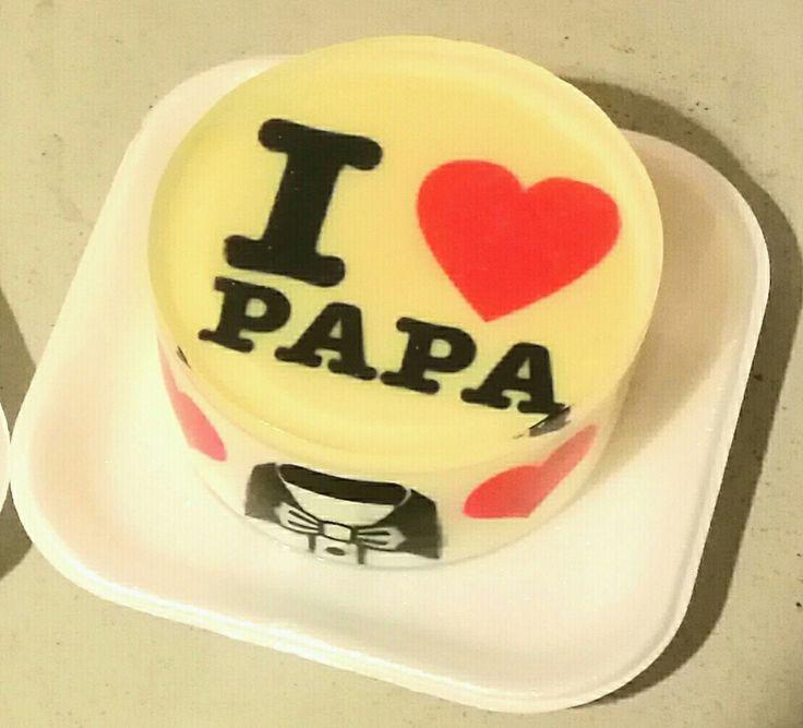 Regalale a papá una de nuestras deliciosas gelatinas rellenas de maracuyá, frutos rojos, curuba, guanábana, chocolate y con tu mensaje ideal