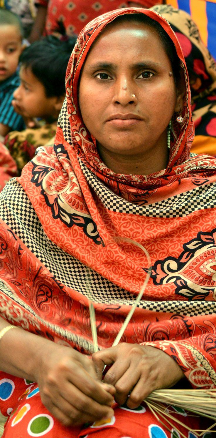 Artisan making a basket in Bangladesh - fair trade - handmade change