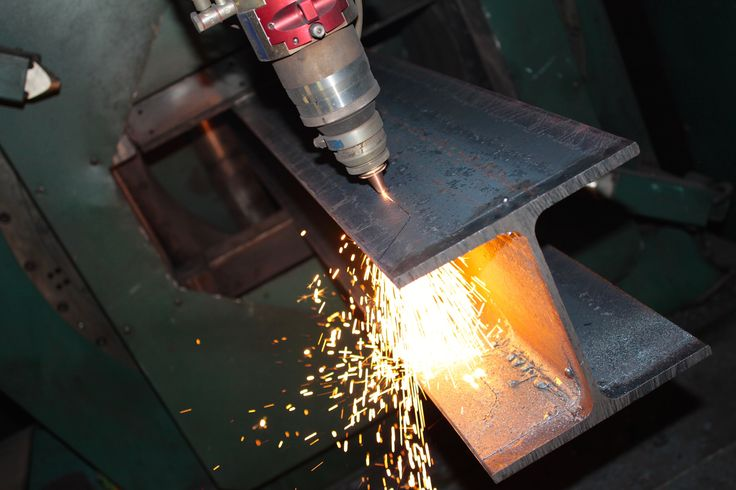 CMMLASER - steel beams laser cutting service, CMM deals with H & I steel beams, it does services such as cutting and drilling.