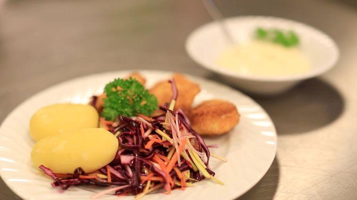 Panert torsk med ein god dressing smakar fortreffeleg både til kvardags og som festmat.