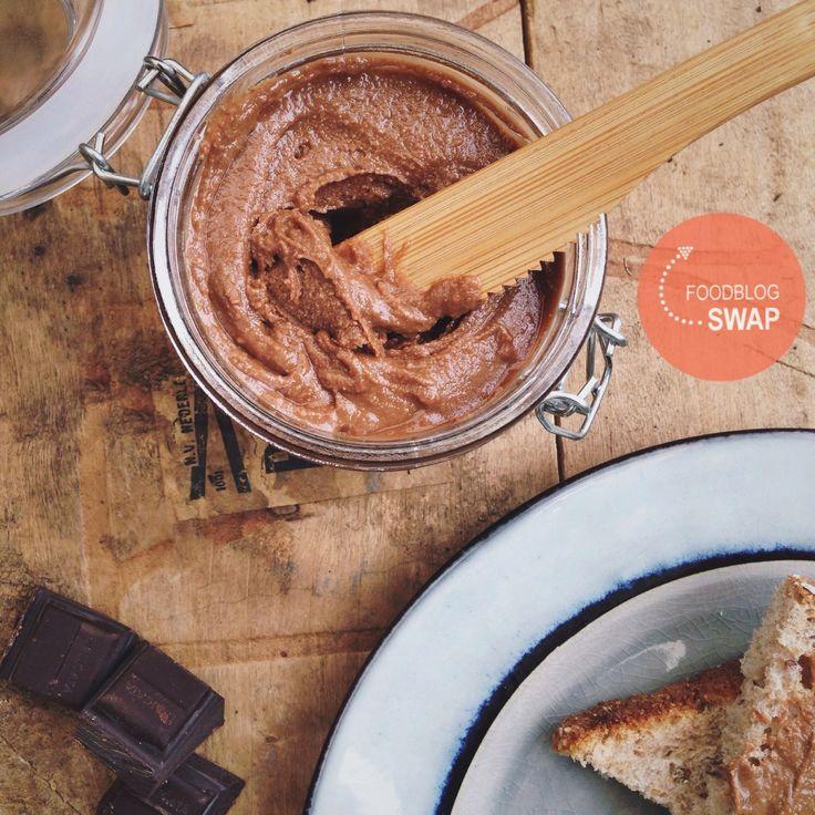 Zelfgemaakte pindakaas met chocola