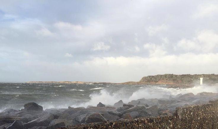 Storm drar in vid Kullaviks  hamn