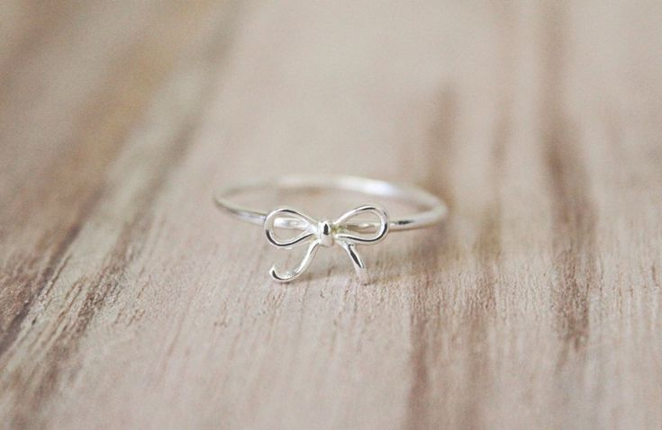 Dainty bow ring, bow ring, dainty ring, sterling silver, friendship ring, minimalist ring, silver ring