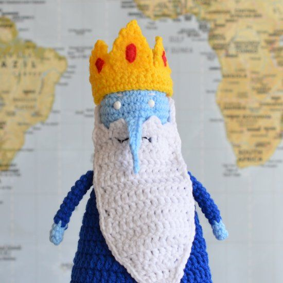 Underneath the robes and whiskers is another king, one the princesses call, the Nice King. Find the crochet pattern on my blog!