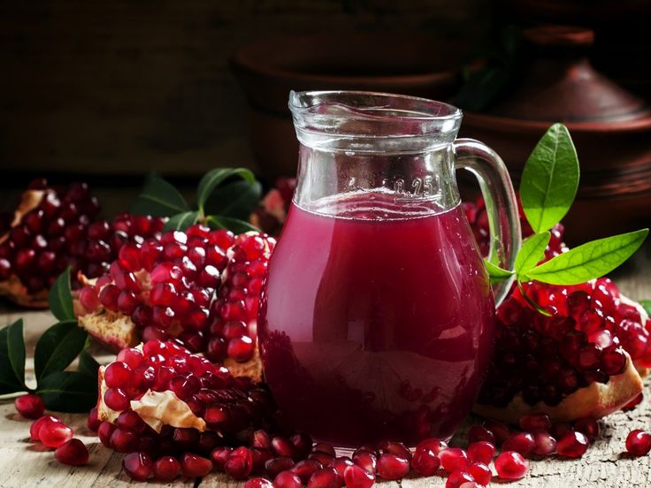 Pomegranate Juice - Benefits, How to Make & Side Effects | Organic Facts