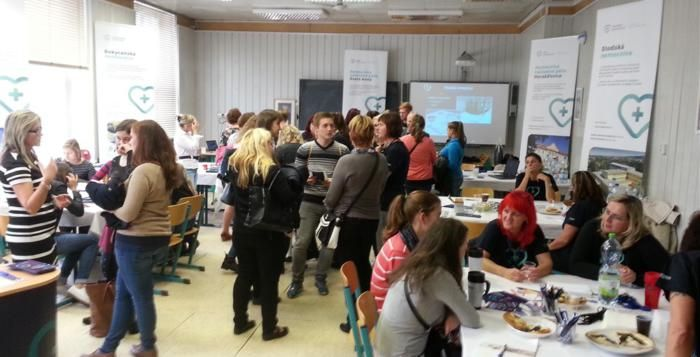 Den otevřených dveří Fakulty zdravotnických studií ZČU přilákal velké množství návštěvníků
