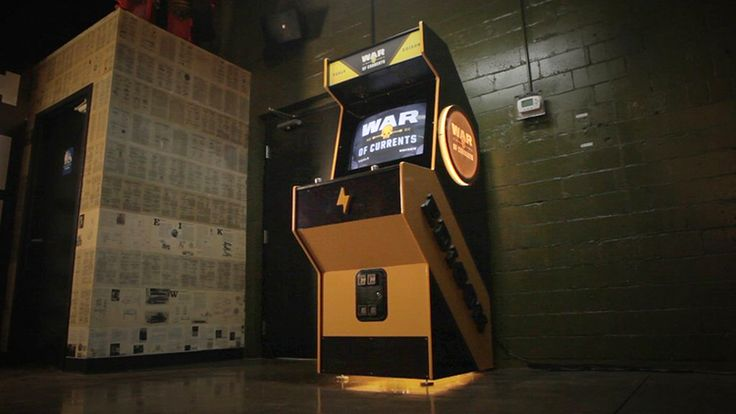 War of Currents, An Arcade Game Where Tesla & Edison Face Off in Street Fighter Style Battle