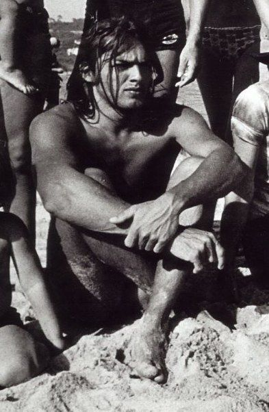A much younger David Gilmour of Pink Floyd...  a shame that this incredibly gorgeous man had to get old.