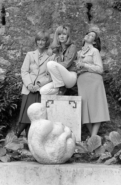 Avec, de gauche à droite, Caroline Cellier et Françoise Fabian pendant le tournage des Fougères bleues