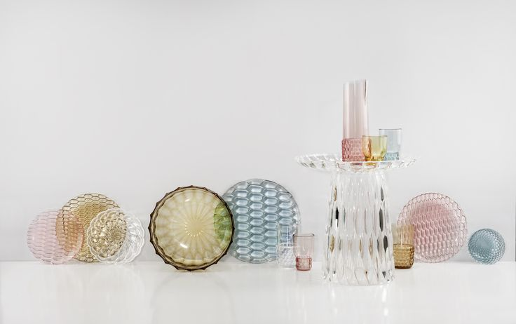 Retrò and modern style in an unexpected union | Jellies Family by Patricia Urquiola