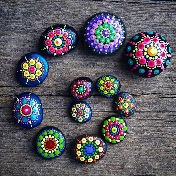 #YuliaArtDots #pebbles #stones #rocks #spiral #dots #dotting #mandalastones #mandala #nature #Zen #spiritual #hippiespirits #