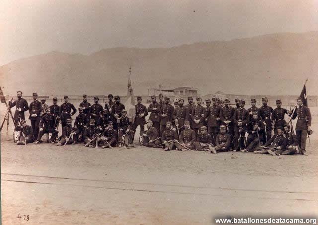 Fotografías Históricas de La Guerra del Pacifico 1879 _ 1884 Oficialidad del 4º de Línea en Antofagasta al inicio de la Guerra del Pacífico.