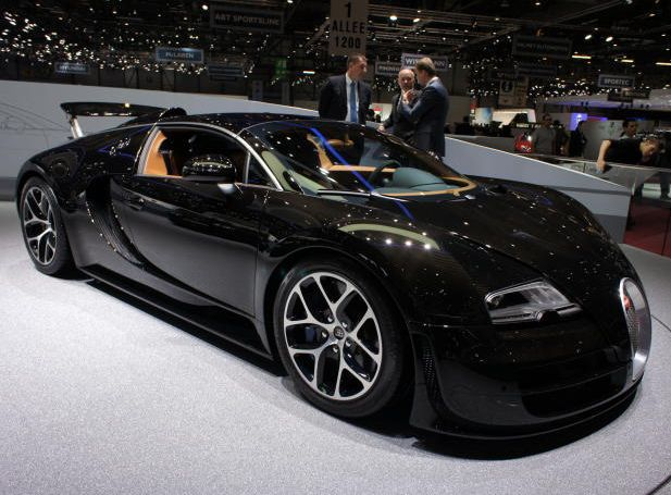 2013 Bugatti Veyron Vitesse: Bugatti Brought A Variant Of Its Single Model,  The Veyron, To Geneva. The Grand Sport Vitesse Is Powered By An Engine