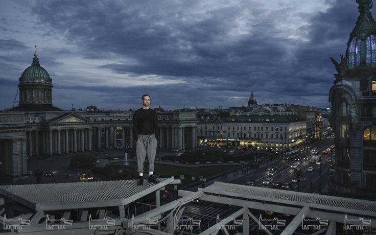 «В России без прописки у тебя нет никаких прав» — как «Ночлежка» Григория Свердлина помогает бездомным
