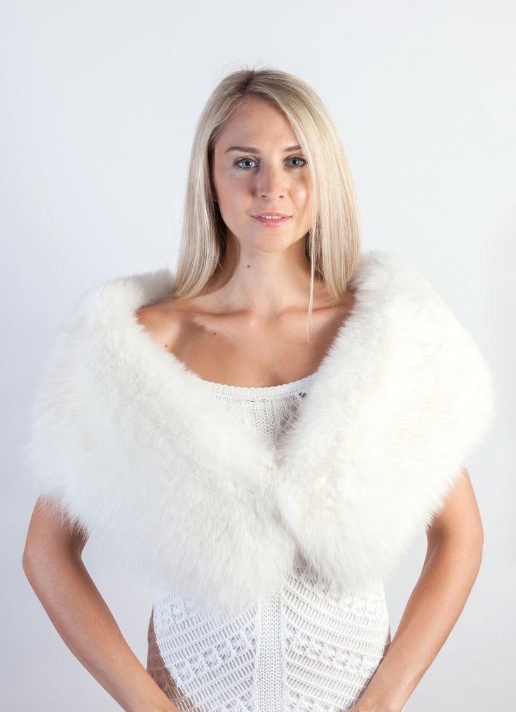 Elegante stola-sciarpa in volpe bianca naturale. Bianca stola in pelliccia ideale per la sposa d'inverno. Stola in pelliccia in candida volpe bianca lavorata a mano in Italia.  ww.weddingfur.it