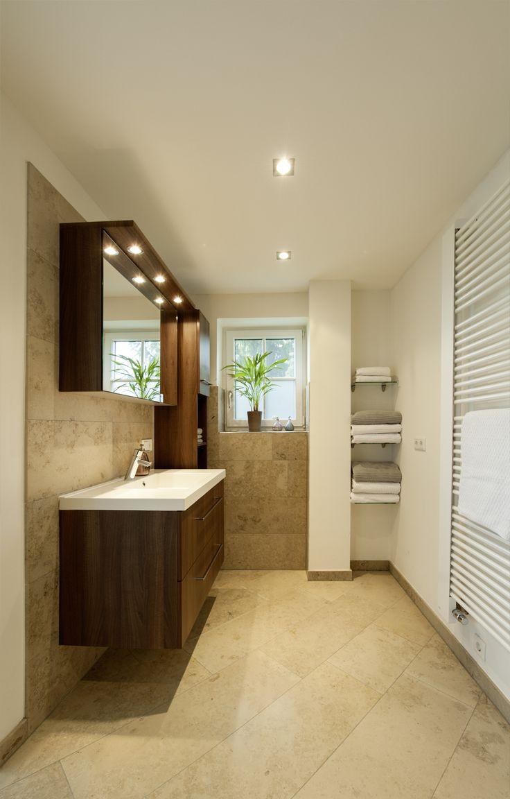Wandhangender Mobelwaschtisch Und Badmobel Aus Holz Beleuchteter Spiegelschrank Wande Und Boden Aus Naturs Beleuchten Beleuchteter Spiegel Begehbare Dusche
